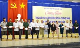Phó Chủ tịch Nước thăm, tặng quà tại TP.Tây Ninh
