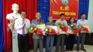 Trao huy hiệu Đảng đợt 2.9 và 7.11.2019