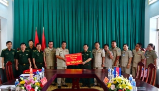 BĐBP Tây Ninh hỗ trợ kinh phí xây dựng doanh trại cho Cảnh sát Svay Rieng
