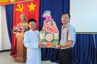 Ban Đại diện Hội thánh Cao đài Tây Ninh thăm, chúc Tết lãnh đạo huyện Trảng Bàng
