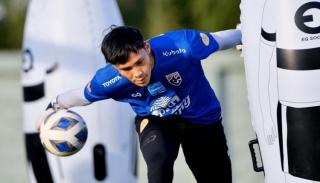 Thủ môn Thái Lan tự nhận yếu nhất bảng