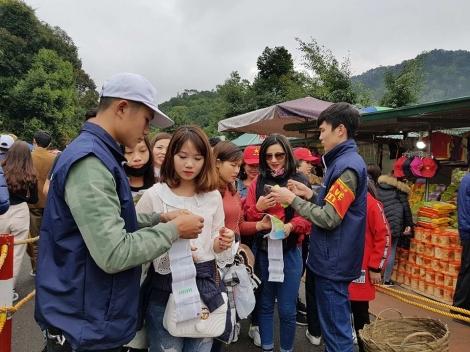 Phí thăm quan danh thắng, người Việt Nam như người nước ngoài