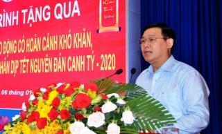 Phó Thủ tướng Vương Đình Huệ tặng quà tết tại Tây Ninh