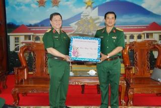 Phó Chủ nhiệm Tổng cục Chính trị QĐND Việt Nam thăm và chúc tết tại Sư đoàn 5