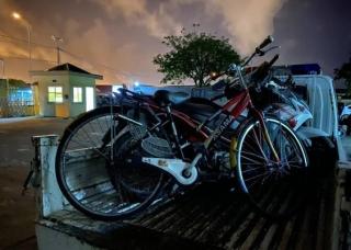 Người đàn ông Trung Quốc bị phạt 500.000 đồng do say xỉn vẫn đi xe đạp