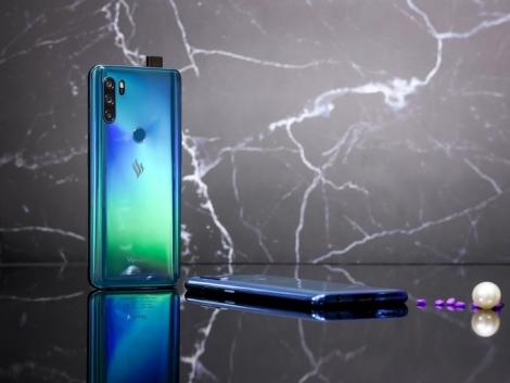 4 smartphone giá thấp mới bán