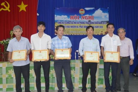Hòa Thành có hơn 2.000 hộ nông dân sản xuất, kinh doanh giỏi
