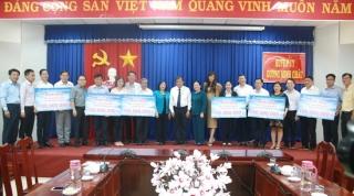 Saigon Co.op: Trao 1,2 tỷ đồng ủng hộ quỹ Vì người nghèo của Tây Ninh