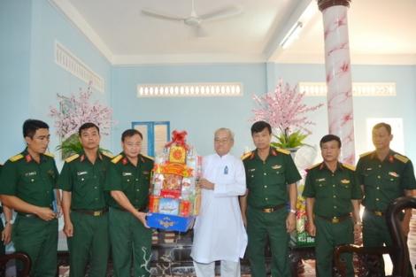 Bộ CHQS tỉnh thăm, chúc tết Hội Thánh Cao Đài Tây Ninh