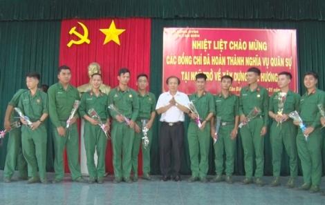 Tân Biên: Đón tiếp quân nhân hoàn thành nghĩa vụ quân sự tại ngũ trở về địa phương