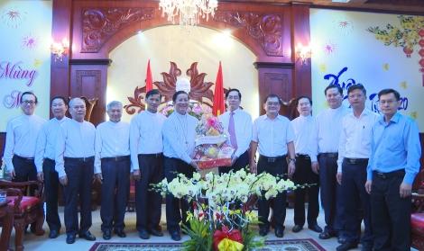Giáo phận Phú Cường thăm, chúc Tết Tỉnh uỷ Tây Ninh