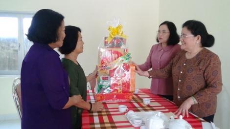 Nguyên Bí thư Tỉnh ủy thăm, tặng quà Trung tâm Nuôi dưỡng, phục hồi chức năng cho NNCĐDC/dioxin Tây Ninh