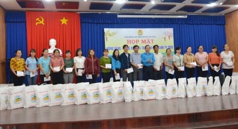 LĐLĐ Tân Châu: Họp mặt công nhân viên chức, người lao động