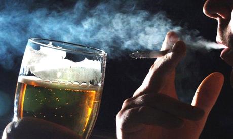 Thực hiện nghiêm túc việc Cấm hút thuốc lá, uống rượu bia trong lực lượng Công an