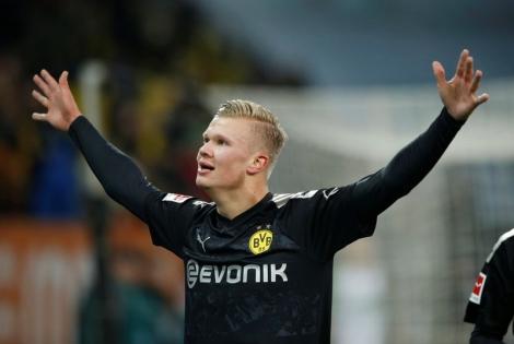 Haaland lập hat-trick ngay trong ngày ra mắt Dortmund