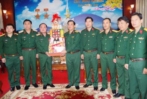 Thứ trưởng Bộ Quốc phòng thăm và chúc tết tại Sư đoàn 5