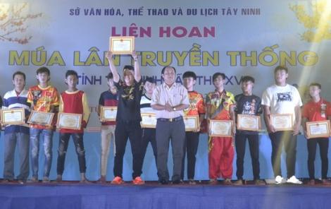Đội lân sư rồng Trung Anh Đường đạt giải nhất