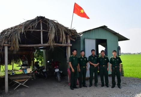 Ban Chỉ đạo 389 chúc tết các điểm chống buôn lậu trên biên giới