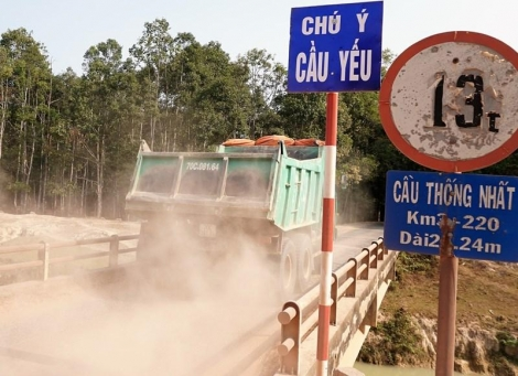 Tạm ngưng lưu thông qua cầu Thống Nhất, huyện Dương Minh Châu