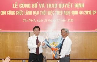 Trao quyết định thôi việc theo nguyện vọng cho ông Đỗ Minh Quang