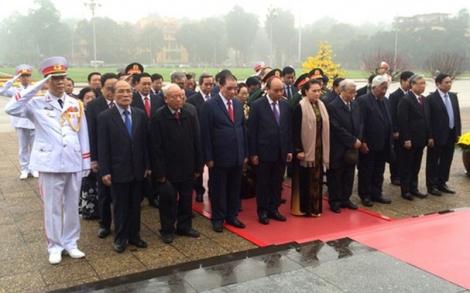 Lãnh đạo Đảng, Nhà nước vào Lăng viếng Chủ tịch Hồ Chí Minh.