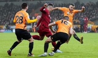 Liverpool nâng mạch bất bại lên 40 trận