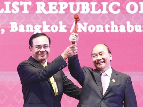 Năm 2020 Thế giới nhìn 'sứ mệnh kép' của Việt Nam