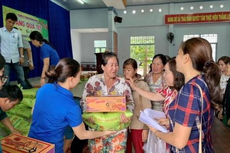 Châu Thành: Vận động gần 14.000 phần quà tết cho hộ nghèo và gia đình chính sách