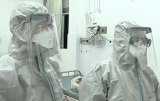 Ba người Việt Nam nhiễm viêm phổi Vũ Hán