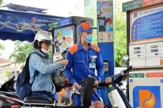 Giá xăng dầu giảm mạnh sau kỳ nghỉ Tết Nguyên đán