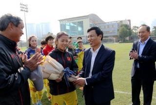 Tuyển nữ Việt Nam nhận doping tinh thần trước thềm vòng loại Olympic