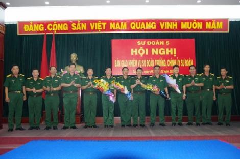 Sư đoàn 5: Bàn giao nhiệm vụ Sư đoàn trưởng, Chính ủy Sư đoàn