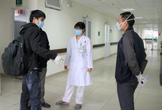 Bác sĩ Việt giữa tâm dịch