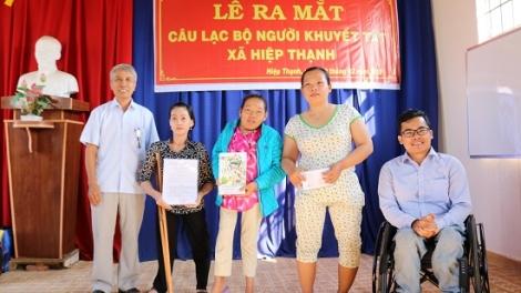 Ra mắt CLB Người khuyết tật xã Hiệp Thạnh