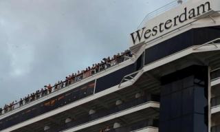 Thoát khỏi du thuyền Westerdam, nhiều khách lại mắc kẹt ở Campuchia