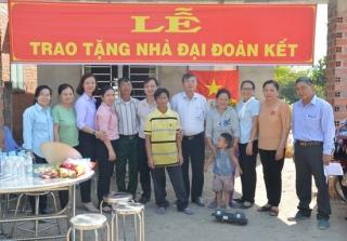 Tân Châu bàn trao nhà đại đoàn kết cho hộ nghèo
