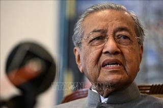 Thủ tướng Malaysia tuyên bố không bàn giao chức vụ trong tháng 5