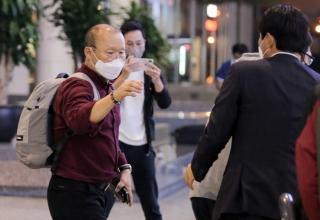 Huấn luyện viên Park Hang Seo được giám sát y tế chặt