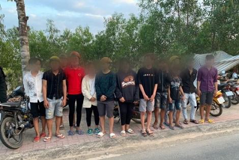 Cảnh sát giao thông bắt nhóm thanh thiếu niên đua xe trái phép