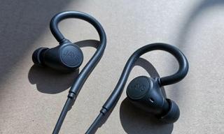 Tai nghe Bluetooth giá rẻ chống ồn, kháng nước