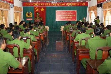 CATN: Khai giảng các lớp huấn luyện cho lực lượng cảnh sát cơ động