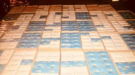 Lập biên bản vi phạm hành chính một công ty sản xuất khẩu trang kháng khuẩn ở Ninh Sơn