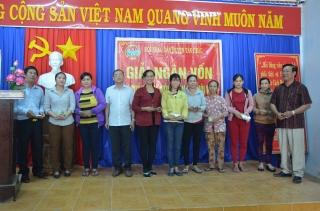 Tân Châu: Giải ngân 370 triệu đồng hỗ trợ nông dân chăm sóc cây cao su