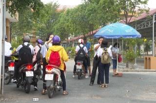 Sinh viên, học sinh Tây Ninh đi học trở lại