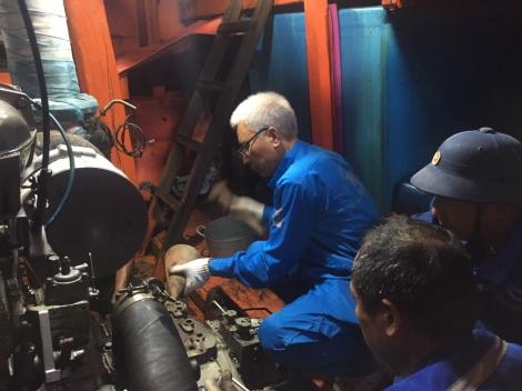 Sửa chữa thành công sự cố tàu cá KH 97524TS