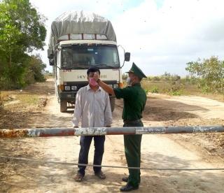 Số người Việt từ Hàn Quốc về Tây Ninh qua cửa khẩu Mộc Bài tăng