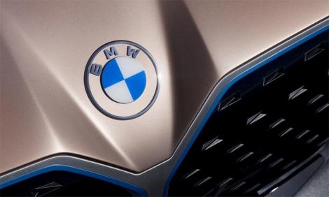 BMW có logo mới