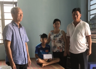 Tân Bình: Vận động hỗ trợ một học sinh bị ung thư
