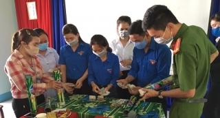 """Sơ kết mô hình """"Ống tre Bác Hồ"""" và trao quà cho nạn nhân chất độc da cam/dioxin"""