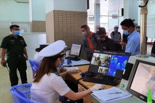 Cách ly tập trung đối với tất cả người nhập cảnh vào Việt Nam